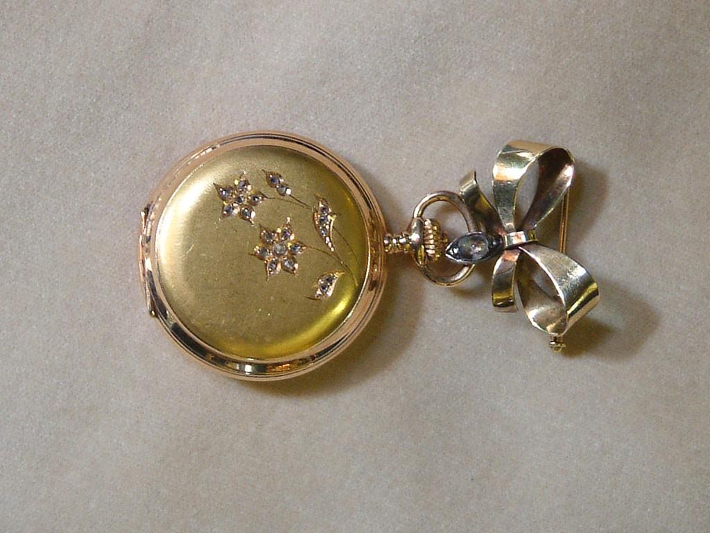 שעון זהב צרפתי אר נובו עם דיאמנטים