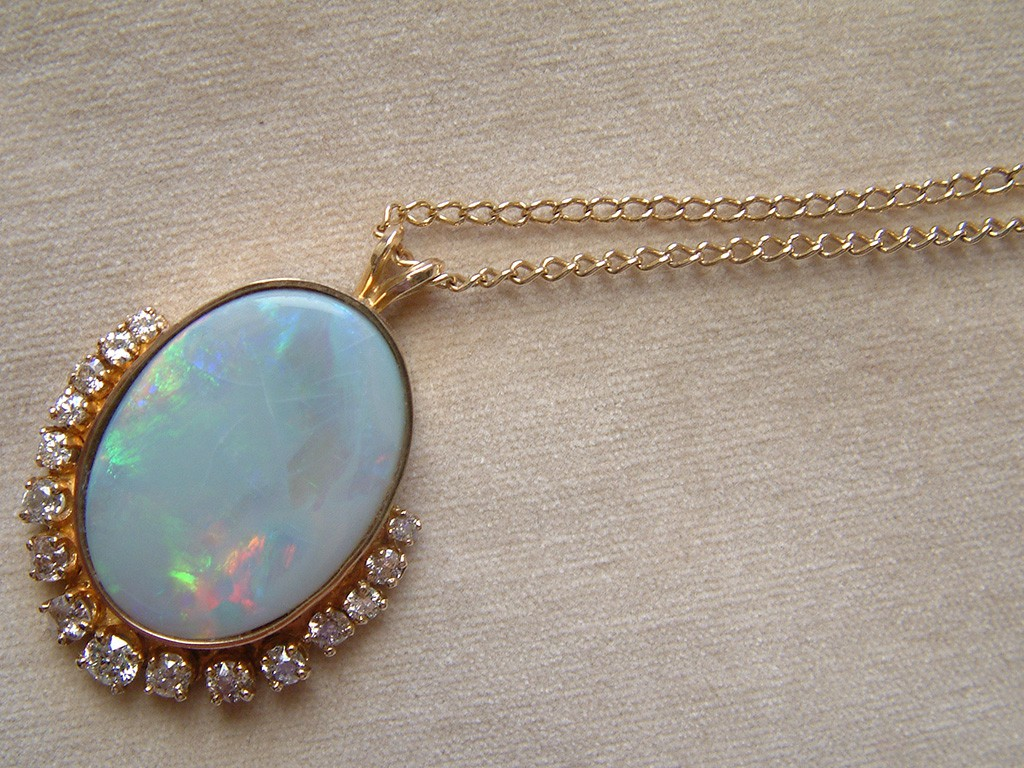 Elliptic Art Deco Gold Pendant with Large Opal and Diamonds