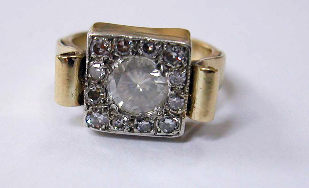 Square Gold Ring with Large Diamond
