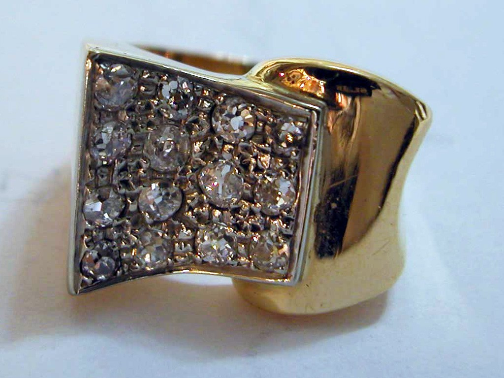 טבעת יהלומים מרהיבה משנות ה-50