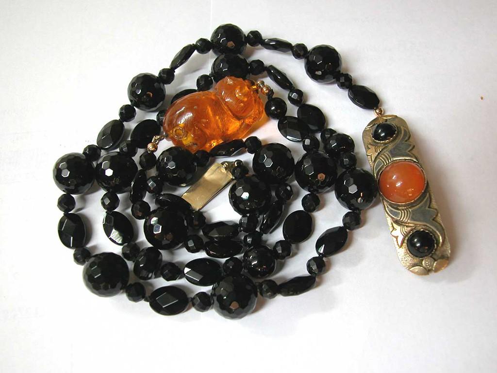 Onyx Necklace with Amber Netsuke