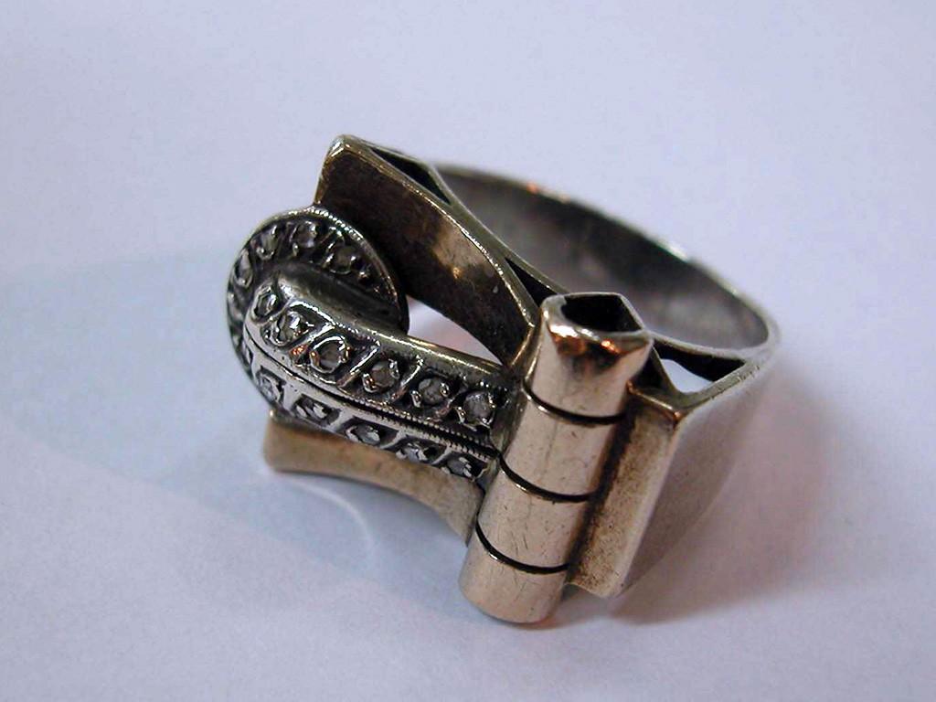 טבעת שנות ה-40 גדולה מכסף, זהב ויהלומים