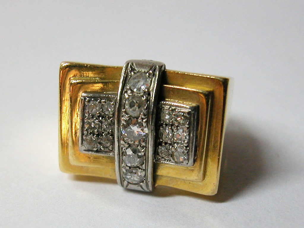 """טבעת שנות ה-40 """"רטרו"""" עם יהלומים"""