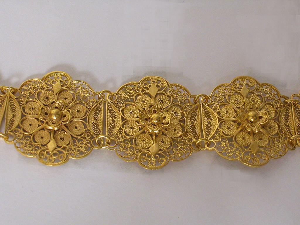 Antique Flower Shaped Filigree Bracelet