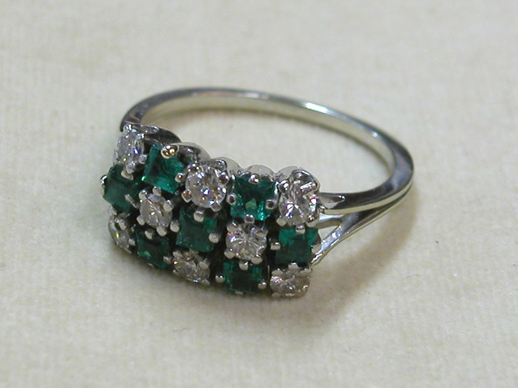 Art Deco Ring with Diamonds and Emeralds