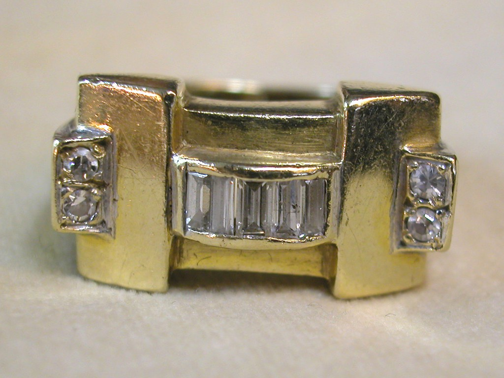טבעת שנות ה-40 (רטרו) עם יהלומים
