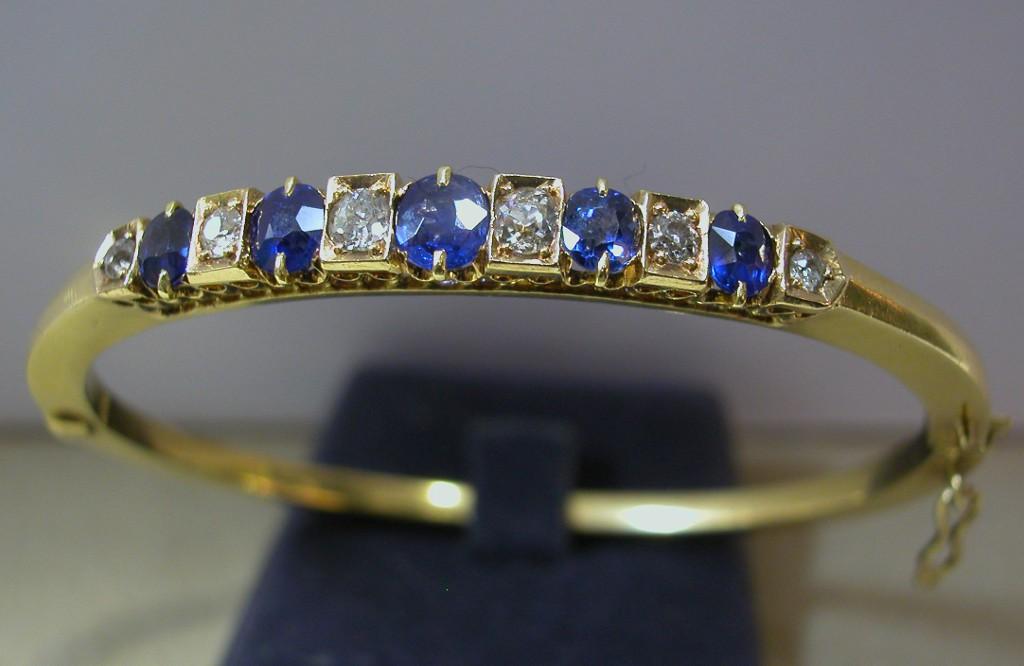 צמיד יהלומים וספירים עתיק ומרהיב