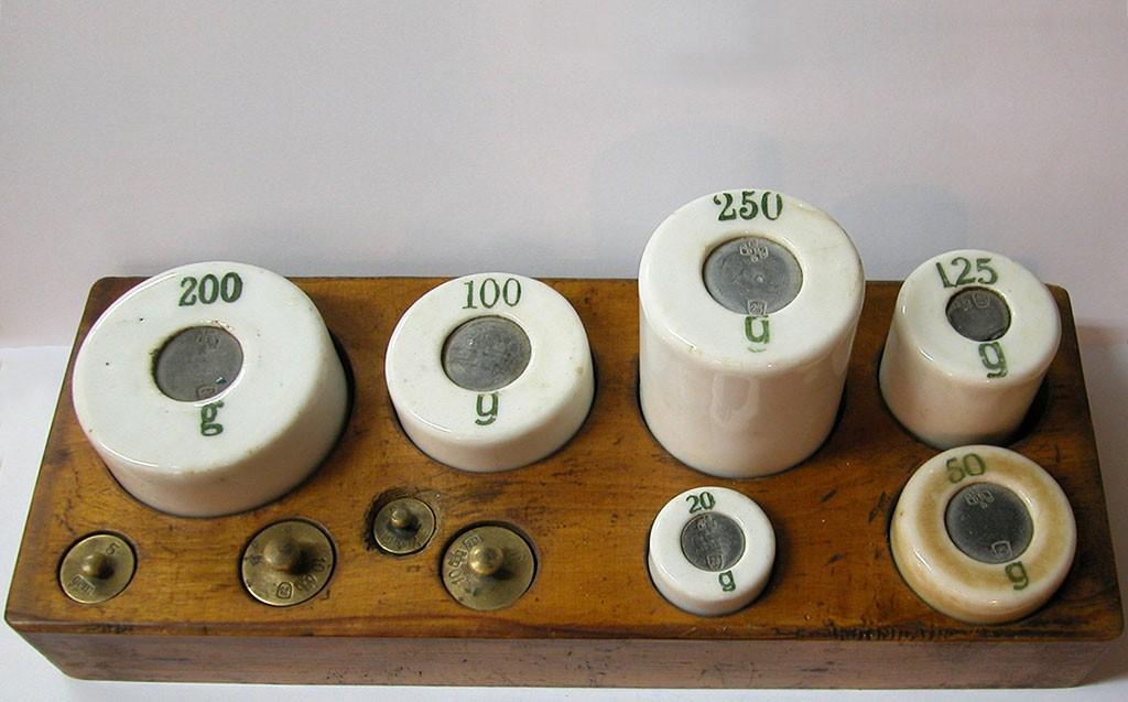 Porcelain Weight Set