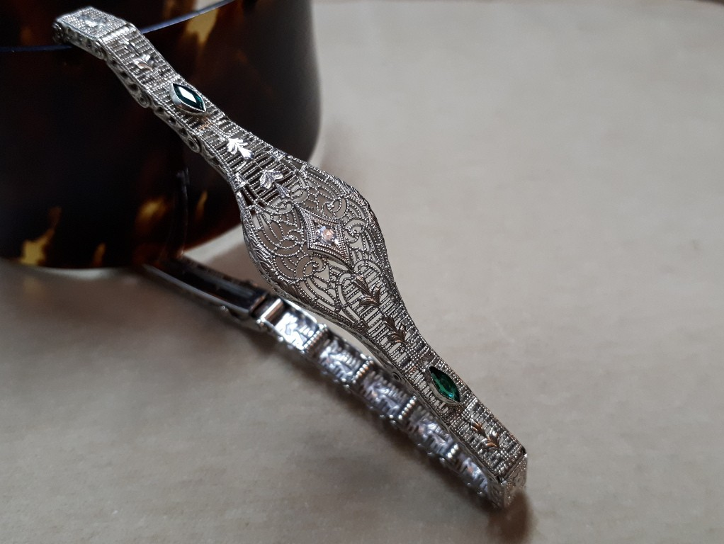 Art Nouveau White Gold Filigree Bracelet with Emeralds and Diamonds
