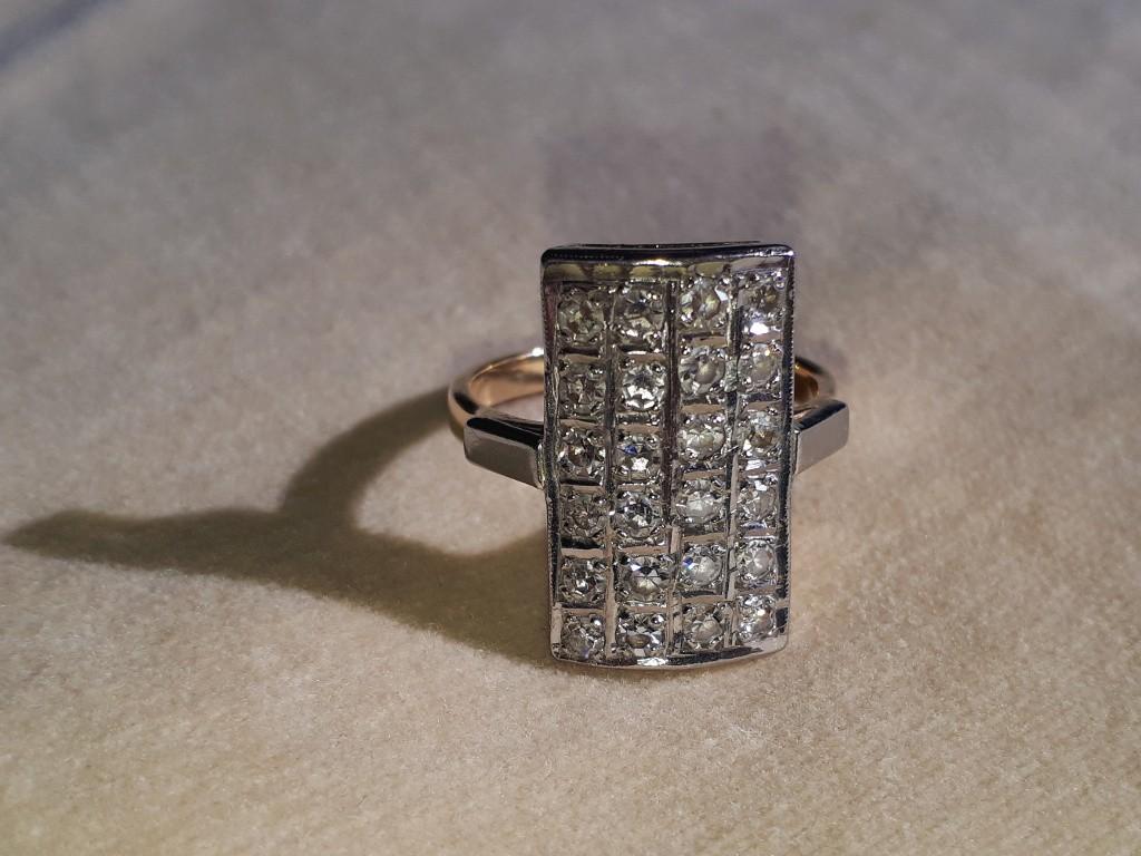 טבעת יהלומים רוסית ומלבנית - תקופת אר-דקו