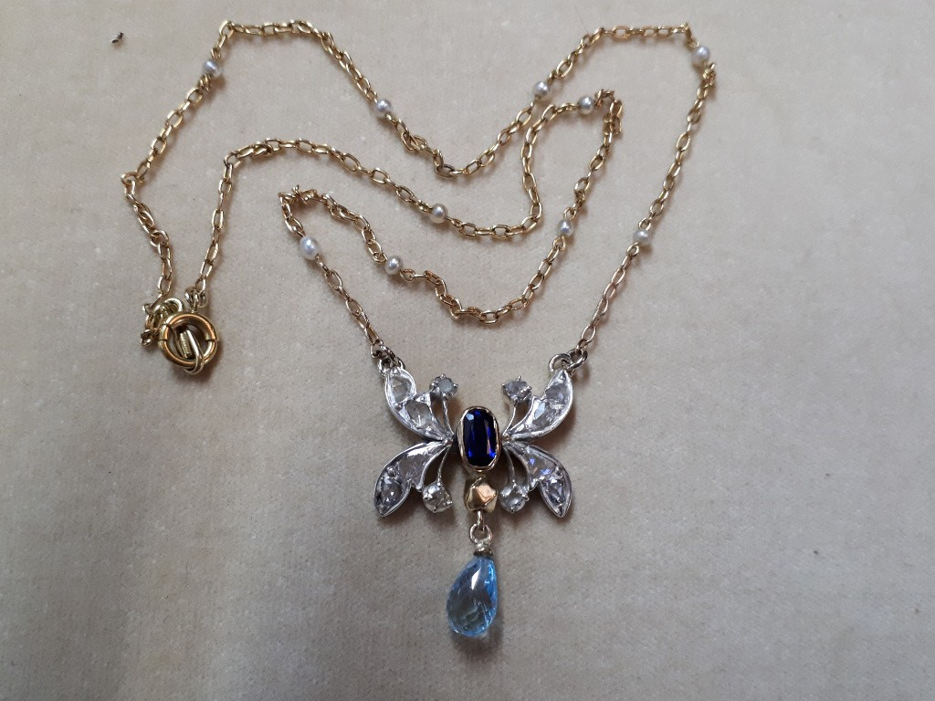 Rose Cut Diamonds and Sapphire Pendant with Pearls Necklace