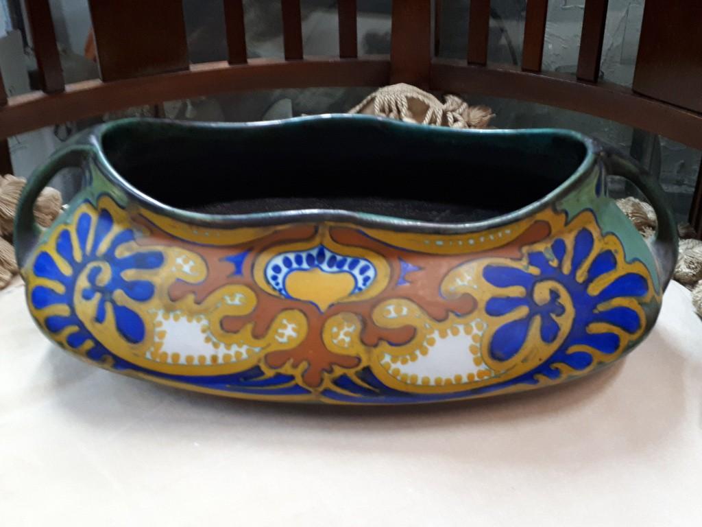 """כלי קרמיקה הולנדי מקבוצת """"גאודה"""" - מעוטר בצבעוניות מקסימה בסגנון אר-נובו"""