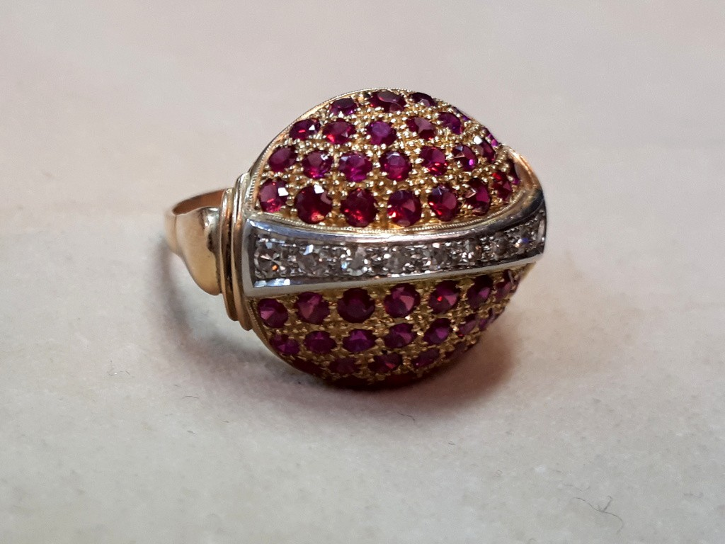 טבעת צרפתית משובצת כולה ברובינים ויהלומים - יפהפייה