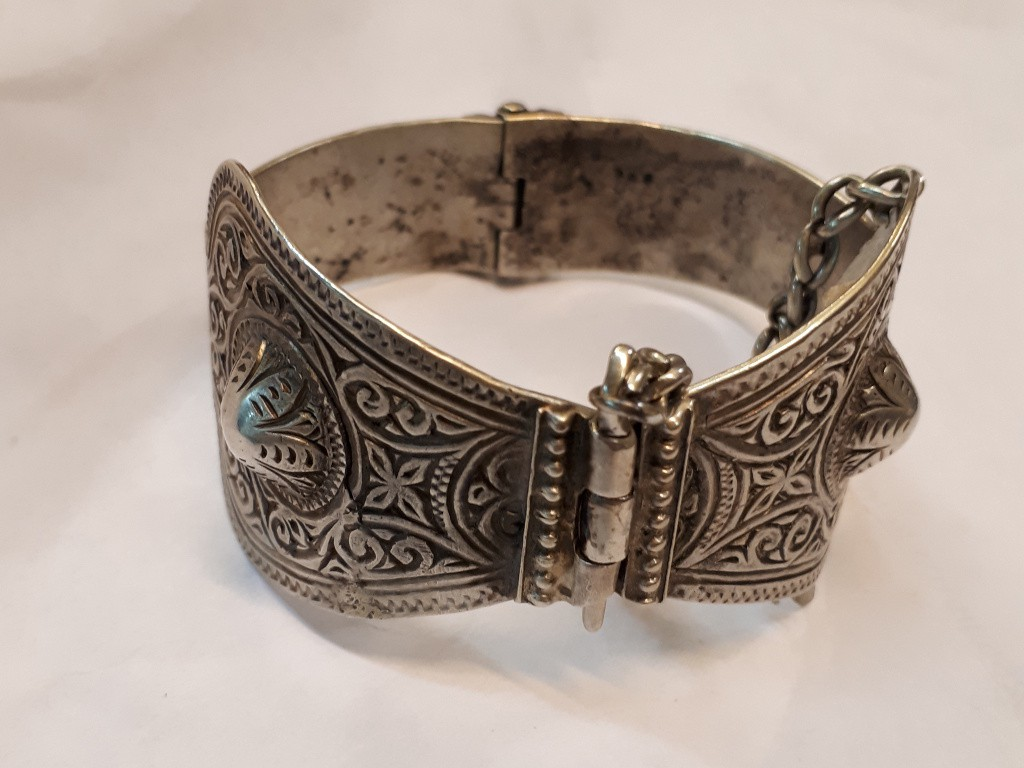 Unique Silver Hoop Bracelet with Engraving