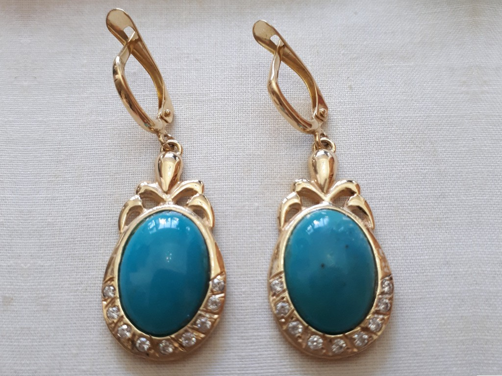 Gold Elliptic Earrings Set with Turquoises and Small Diamonds