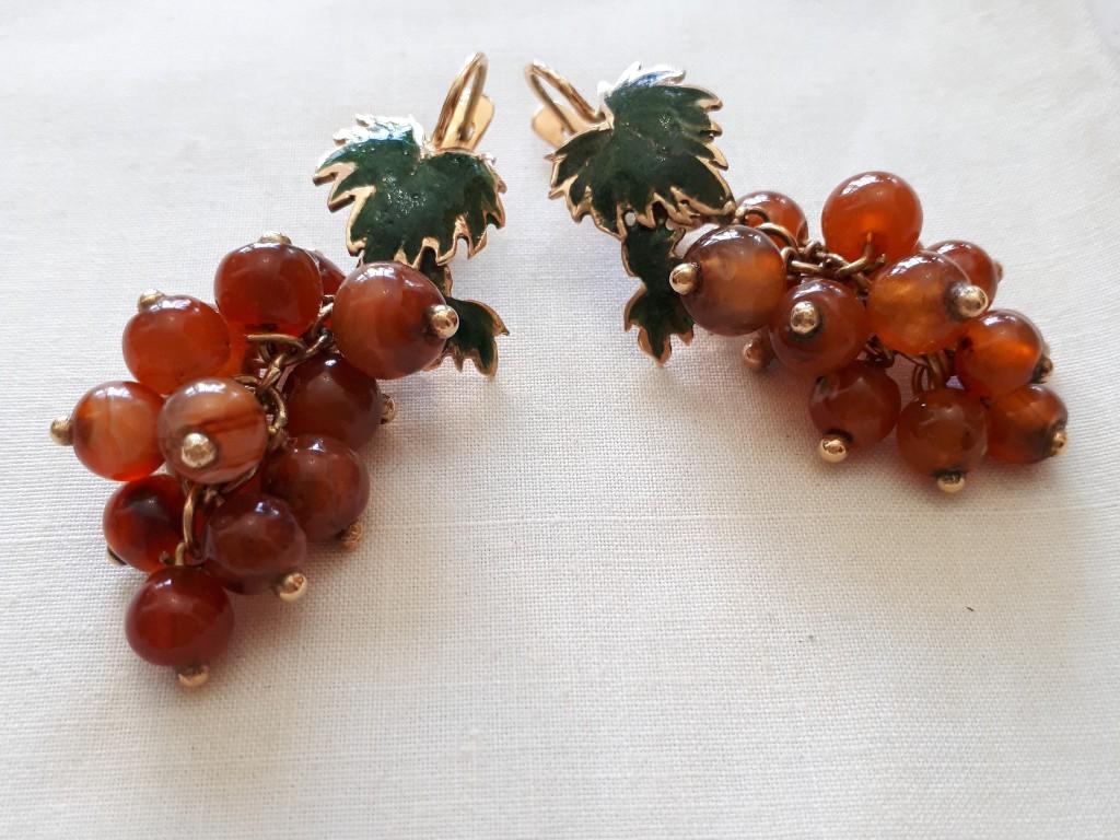 עגילי אר נובו ארוכים - אשכולות ענבים עם טורמלינים ואמאיל ירוק