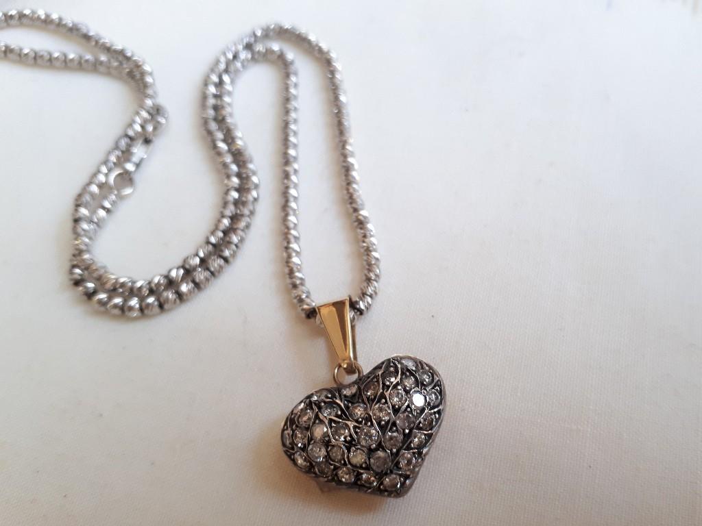 Convex Heart Shaped Pendant set with Small Diamonds