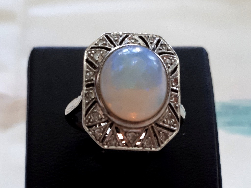 Art Deco White Gold Ring with Diamonds and Magical Opal