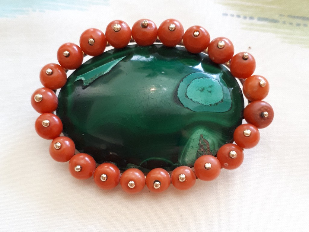 Large Gold Brooch with Malachite and Corals