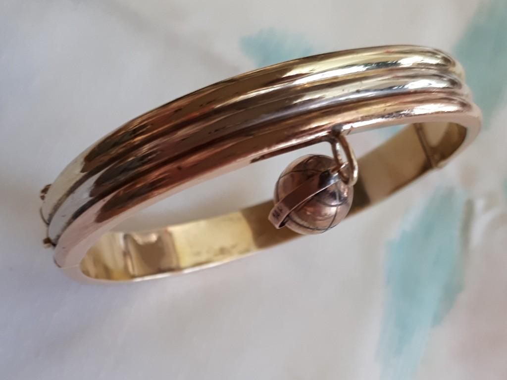 צמיד בצורת חישוק מעוצב ב-3 צבעי זהב