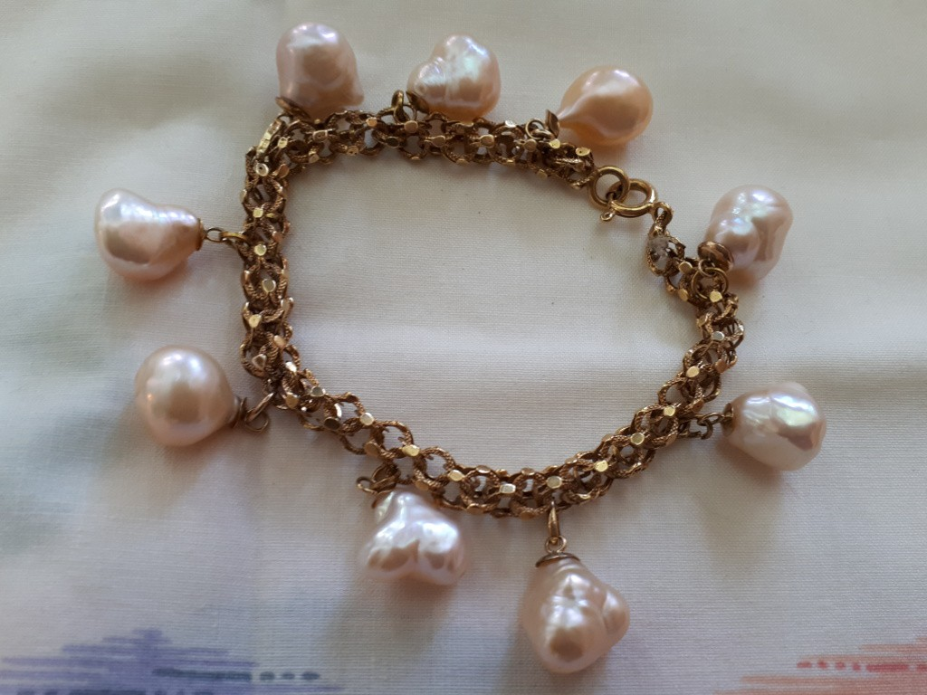 Gold Bracelet with Baroque Pearls