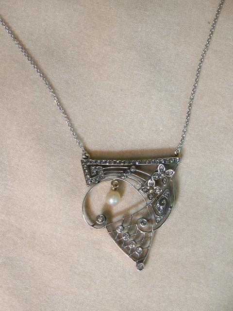 Gold and Silver Art Nouveau Necklace with Rose-Cut Diamonds and Pearls