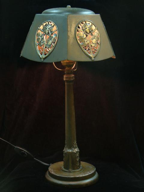 """מנורת שולחן אר-נובו גרמנית מבדיל מושחם - """"קייזר"""""""