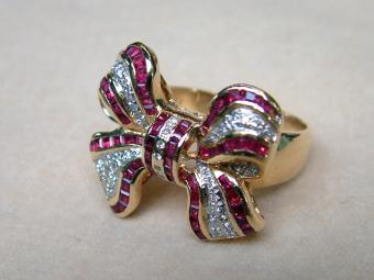 Retro Ribbon Ring with Diamonds and Rubies
