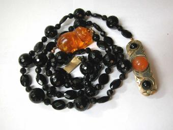 Onyx Necklace with Amber Netsuke