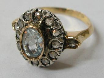 Antique Aquamarine Ring with Diamonds