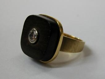 Ebony Ring with Diamond