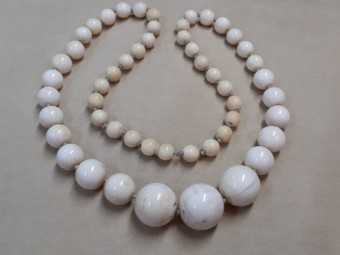 Antique Ivory Beads Necklace