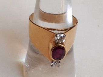 French Ring with Ruby and Diamonds