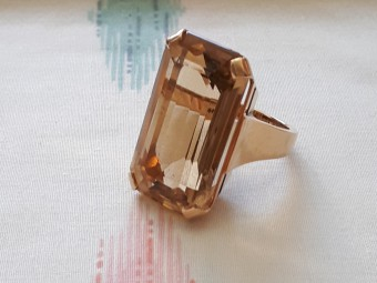 Beautiful Retro Ring with Large Citrine