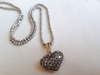 Convex Heart Shaped Pendant set with Small Diamonds