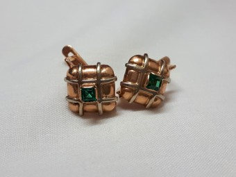 Gold Square Earrings with Emeralds